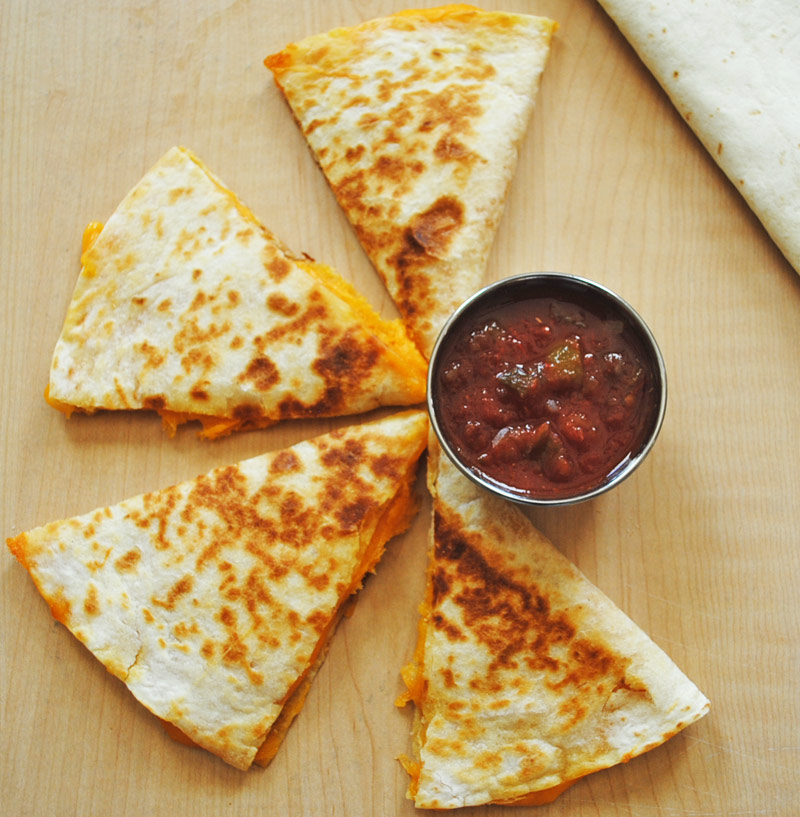 Cheese quesadilla how to make cheese quesadilla recipe treasure simple and quick cheese quesadillas recipe treasure forumfinder Image collections