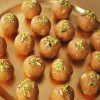 Besan Laddoo - Gram Flour Sweet Ball - Recipe Treasure - recipetreasure.com