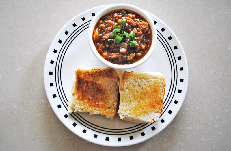 Pav Bhaji - Bun and Mashed Vegetable and Potato Curry - Recipe Treasure - recipetreasure.com