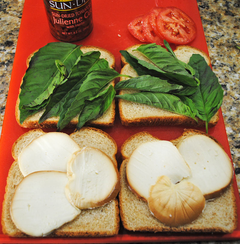 Grilled Smoked Mozzarella, Tomato, and Basil Sandwich | Recipe Treasure