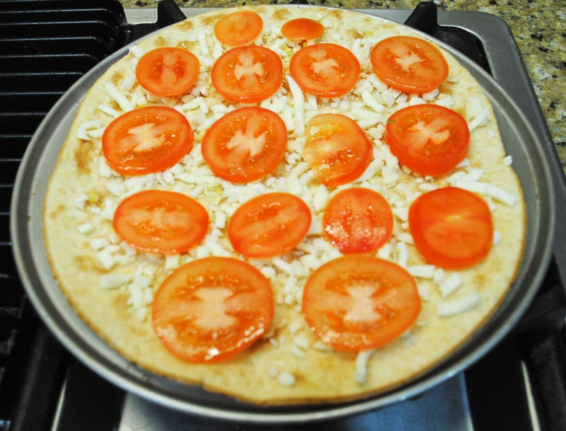 flatbread-margherita-pizza-tomato-recipe-treasure
