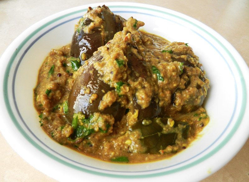 Hyderabadi Bagare Baingan - Stuffed Hyderabadi Eggplant - Recipe Treasure - 2